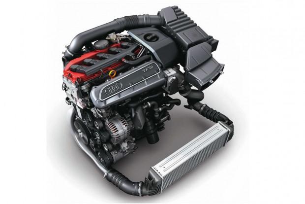 Az ikonikus öthengeres Audi-blokk. Ő marad, a négyhengeres is, csak kisebb teljesítménnyel.