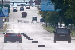 Nem mindennapi gyorsulás: BMW vs. Lada Niva