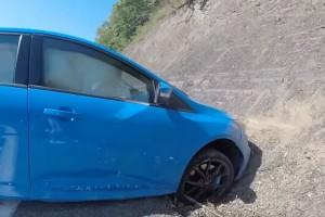 Sziklafalnak rongyolt a Ford Focus RS, mert a drift mód sem mindenható
