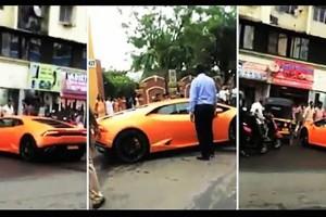 Egy politikus Lamborghinit vett az asszonynak, egy percet bírt
