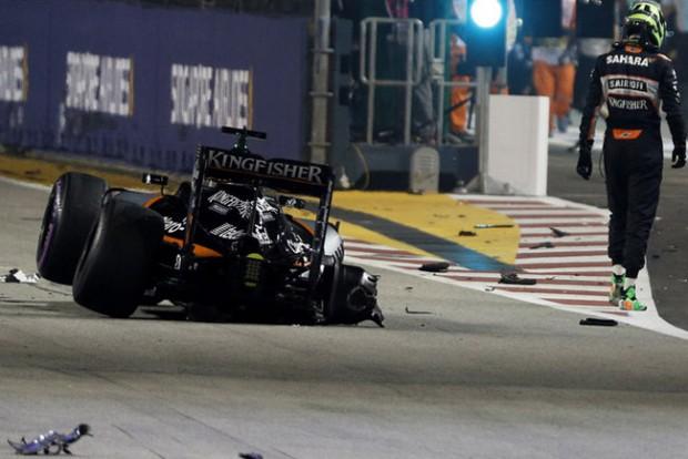 F1: Életveszély, ember a pályán Szingapúrban