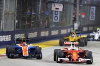 F1: Vettel nagyot ment a pocsék rajt után