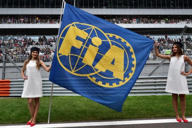 Gatyába ráznák az F1-es bíráskodást