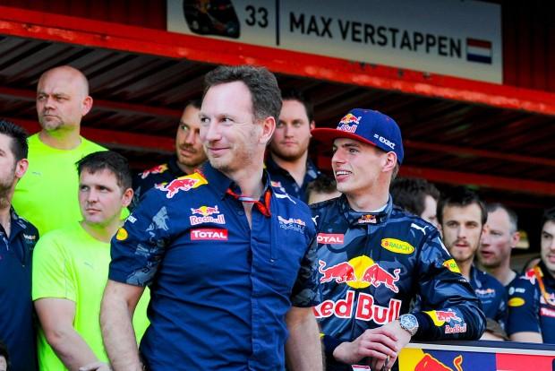 F1: Alaptalanul támadják Verstappent