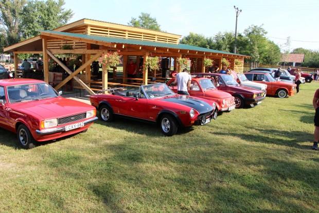 Ez sem semmi csapat. Fordd Taunus, Fiat 124 Spider, Fiat 500, Golf I, Trabant Tramp, BMW 2002ti