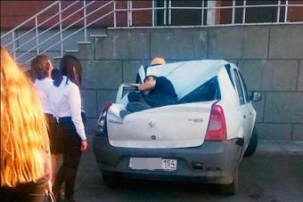 Kiugrott a 23.-ról, egy Dacia mentette meg