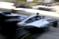 F1: Bátor döntést fontolgat a Mercedes
