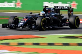 F1: Alonso kiröhögte a csapatot, aztán villantott