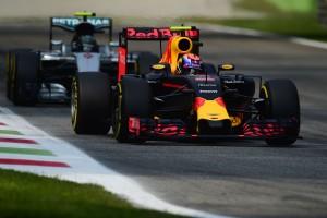 F1: A Red Bull jövőre levadászná a Mercit