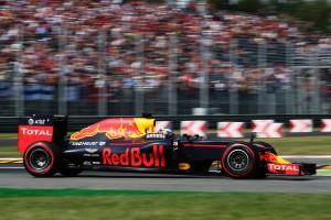 F1: A Red Bull kitart szuperautós partnere mellett