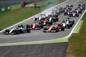 F1: Hamilton Rosbergnek adta a monzai győzelmet