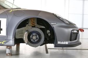 380 milliméteres acél tárcsák. Az MR-ben nincs fékrásegítő