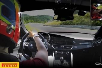 Dőlj hátra és élvezd az Alfa Romeo Giulia Quadrifoglio rekord körét a Nürburgringen