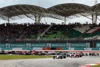 F1: Gatyába rázták a szepangi pályát