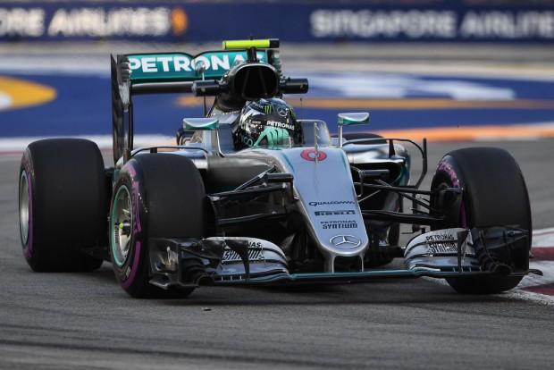 F1: Rosberg a leggyorsabb, Hamilton megint küszködött