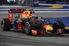 F1: Rosberg falnak ment, Verstappené az edzés