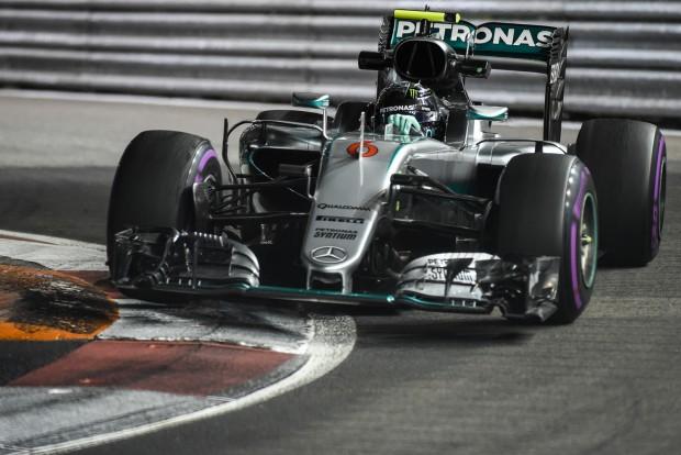 F1: Rosberg agyonverte Hamiltont az időmérőn