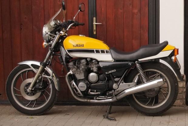 Statikus tárggyá vált a Yamaha XJ650, amelyre a Kádár-korszak rendőrmotorjai épültek