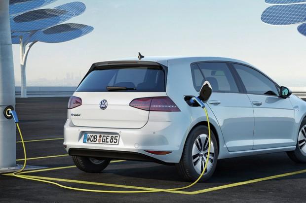 Gyorstöltő technológiát fejleszt a Volkswagen