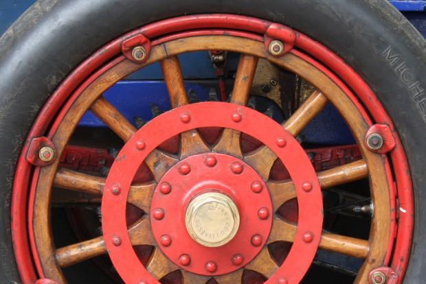 Visszatérhetnek a fakerekek az autóiparban (de nem úgy)