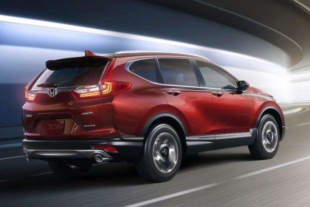 Most először kínál kéz nélkül nyitható, lábrázás-érzékelős motoros mozgatású csomagtérajtót a Honda.
