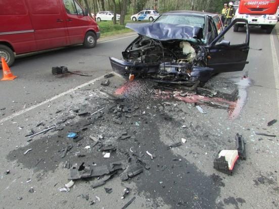 Két autó ütközött Monorierdőnél – képek