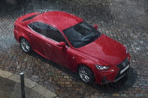 Nem látszik, de sokkal jobb lett a Lexus IS