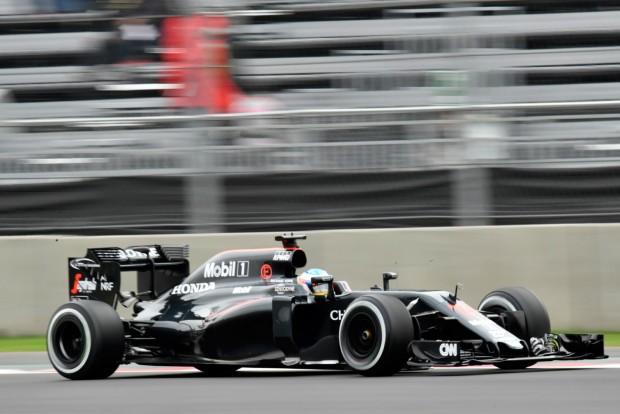 F1: Alonso nem borult ki, hogy Vettel leidiótázta