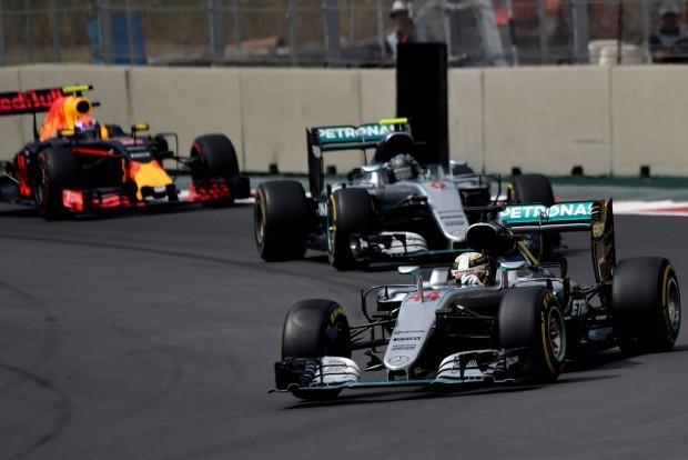 """F1: """"Hamilton láthatatlanná tette Rosberget"""""""