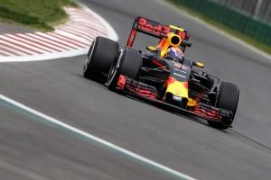 F1: Verstappen az élen az időmérő előtt