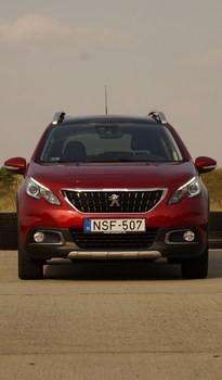 Nem frissebb, inkább komolyabb lett a Peugeot 2008