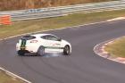 Ez a Renault mutatja, hogy a drifthez nem hátsókerékhajtás kell, hanem mázsányi mogyorók