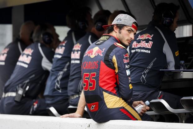 F1: A Red Bull tiltotta el Sainzot a Renault-tól
