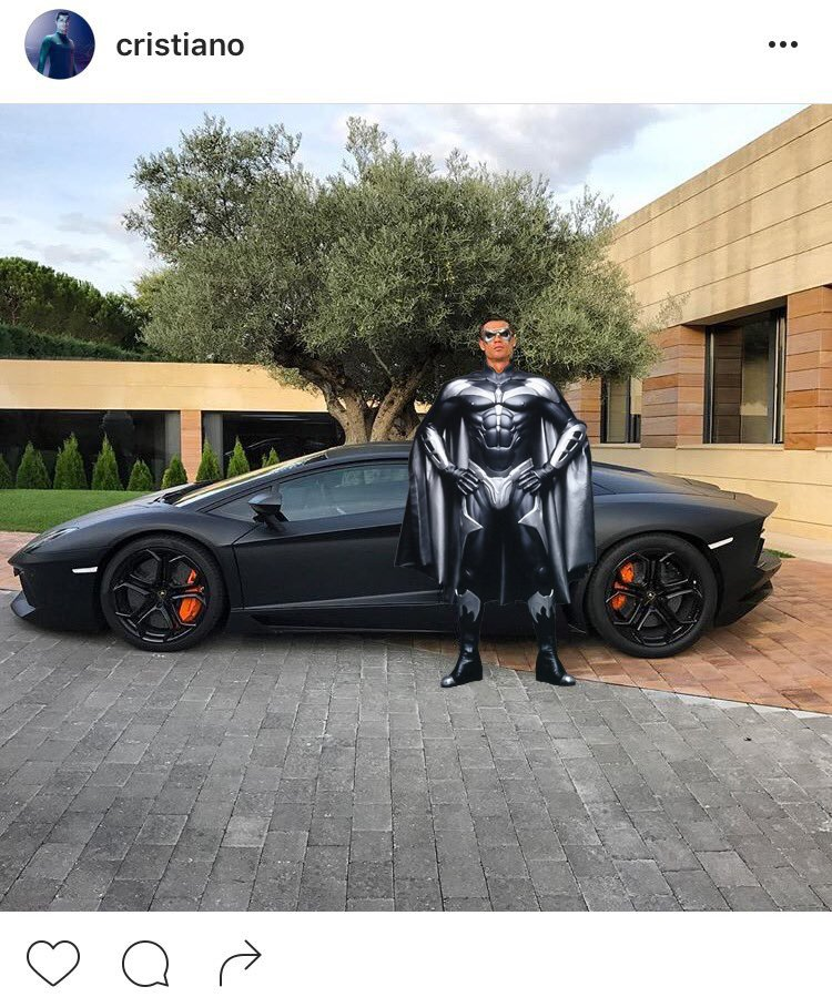 cristiano-ronaldo-post-picture-of-him-and-a-lambo-gets-the-internet-treatment_5