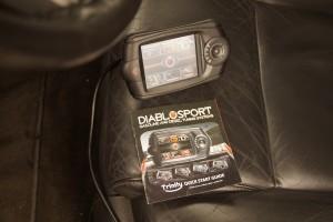 Így állítunk gyújtást érintőképernyős kütyüről házilag az amerikai kocsikon