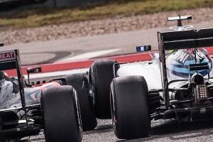 F1: Alonso lassú defektet kapott Massától