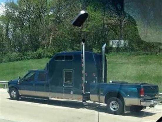 Egy terepkupé már nem meglepő, de íme egy egészen új stílus: pickup-csőröskamion