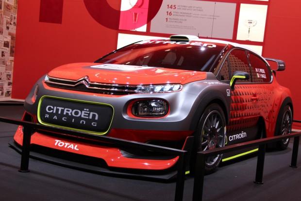 975 kilós az alap C3, a készülő C3 WRC minimumsúlya 1175 kg, 1,6-os turbómotorja 380 lóerős. A 2017-es WRC-szabályzat a széles autókkal nagyon belevaló raliautókat szül