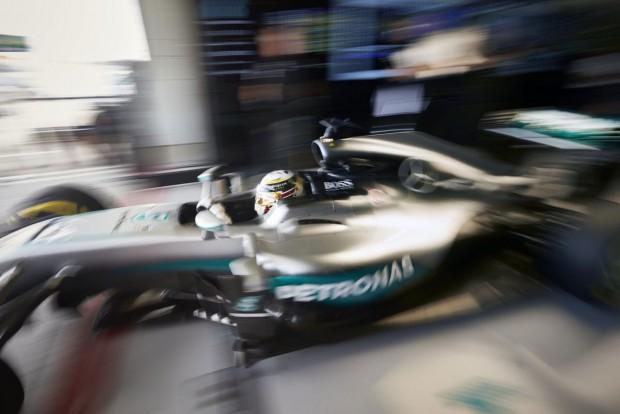 F1: Rosberg tart a Red Bulltól, Hamilton nyugodt