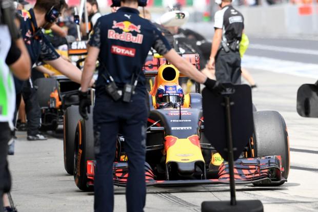 F1: A lehető legjobban kezdett a Red Bull