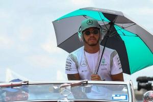 F1: Ezeket hallgatnák a pilóták az autóban