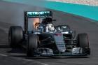 F1: A Mercinél elnézték Hamilton kiszólását