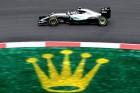 F1: Rosberg nem bírta, Hamiltoné a szepangi pole