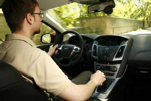 Jó vezetni a Focust, futóműve remekmű. A belső képek illusztrációk