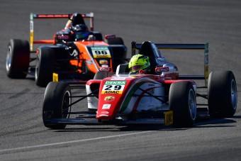 Nem lett bajnok a kis Schumacher