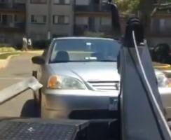 Pillanatok alatt vitték el a tilosban parkoló autót