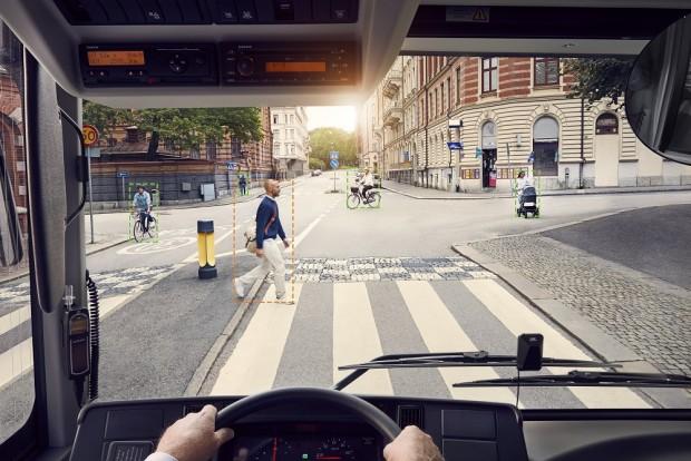 Így gondoskodik a Volvo a biciklisekről és a gyalogosokról