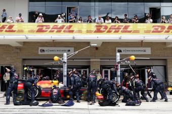 F1: Két másodperc két percben - így zajlik a kerékcsere
