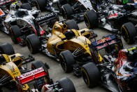 """F1: """"Még a pápának is ajánlatot tettek"""""""