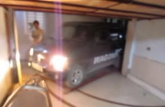 Zseniális garázs, ahol tologathatod a kocsid